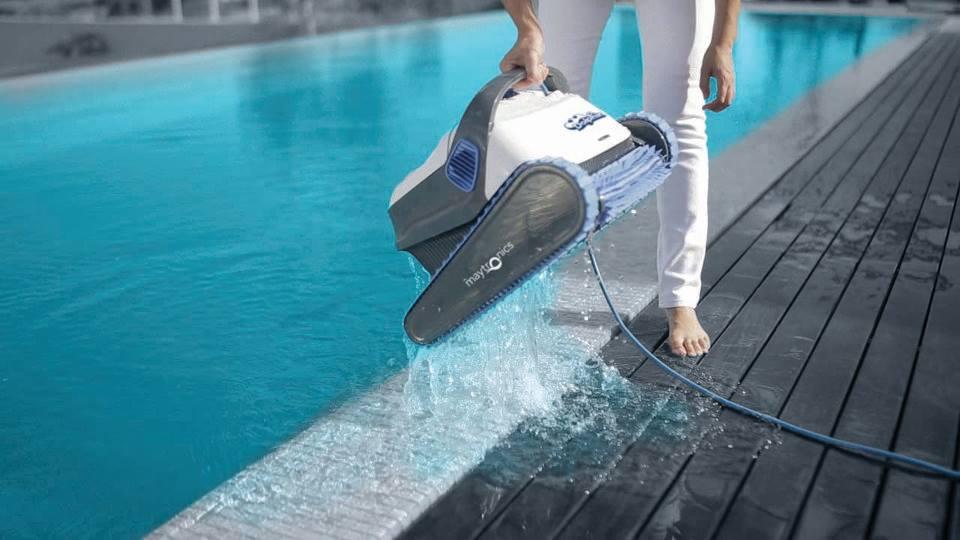 Maintenez votre piscine propre !